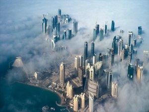 Katar'a abluka hafifliyor