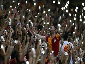 Galatasaray-sivasspor Maçına Taraftarlardan Büyük İlgi