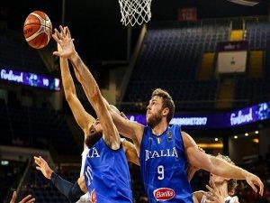 İtalya Çeyrek Finale Yükseldi