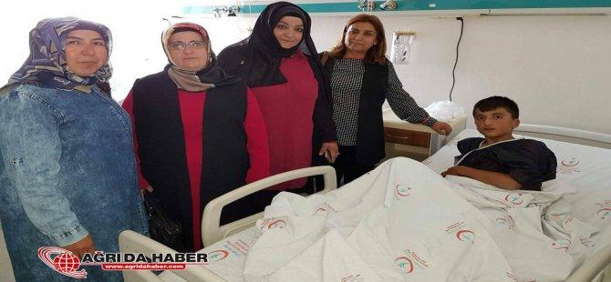 Ak Parti Ağrı Kadın Kolları Taşlıçay'da 62 Çocuk Sünnet Ettirildi