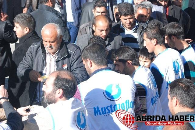 Ağrı'da 3 bin kişiye aşure dağıtıldı