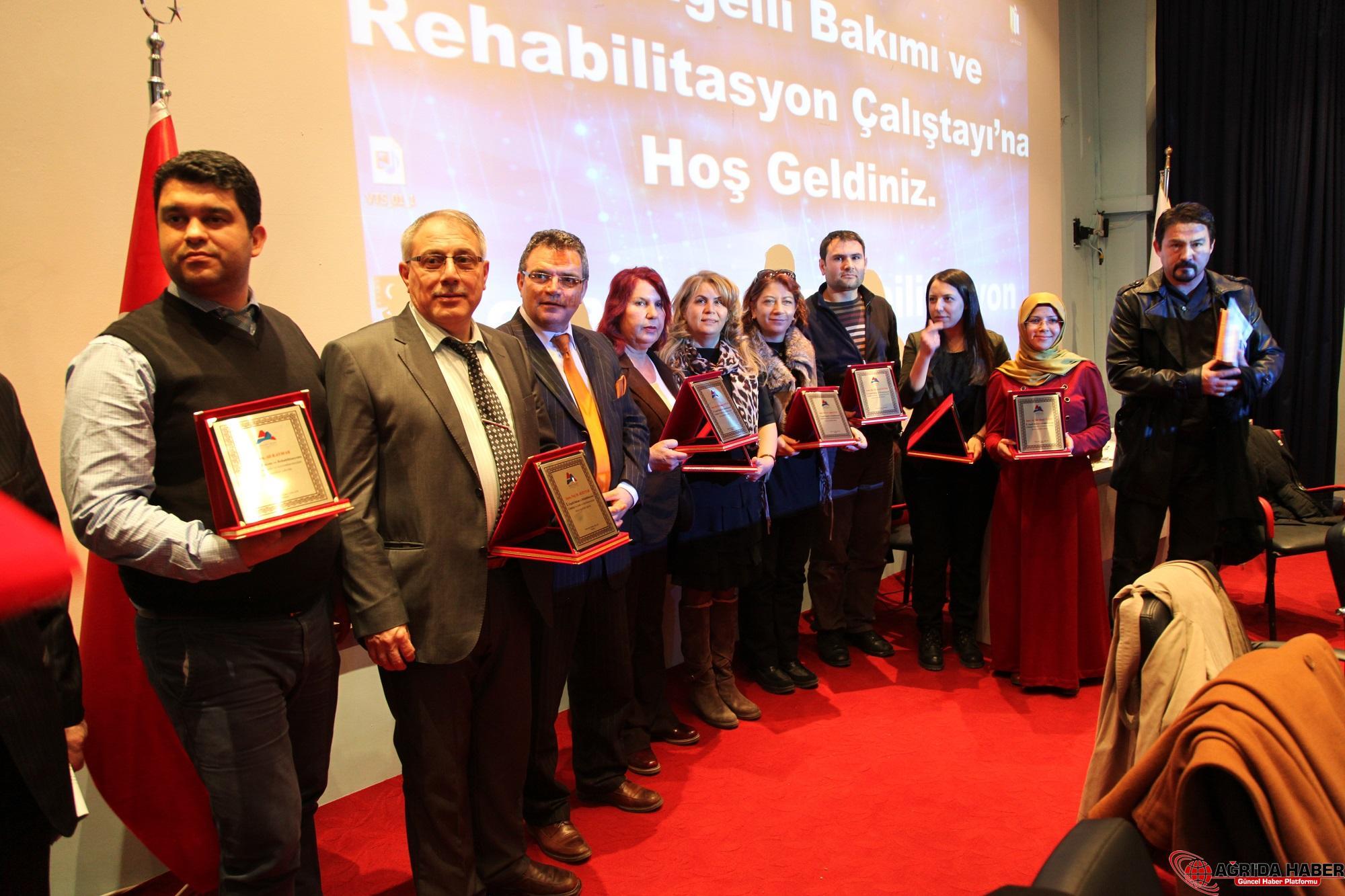 A.İ.Ç.Ü de  Düzenlenen 1. Engelli Bakımı ve Rehabilitasyonu Çalıştayı Sona Erdi
