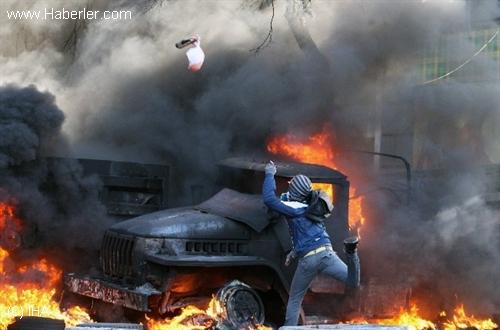 Ukrayna'da Şiddet Tırmanıyor
