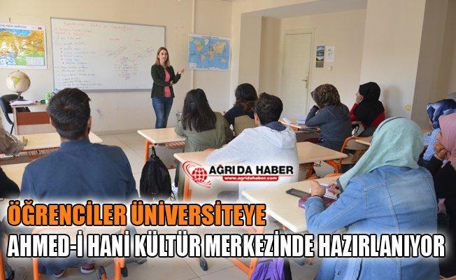 Ağrı'da Öğrenciler Üniversiteye Ahmed-i Hani Kültür Merkezinde Hazırlanıyor