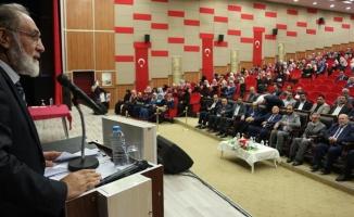 Ağrı'da 'Camii Şehir ve Medeniyet' Temalı Konferans Düzenlendi