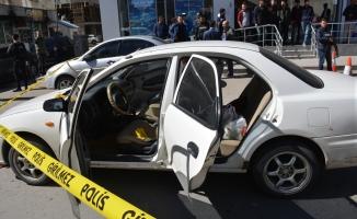 Ağrı'da İki Aile Arasındaki Husumet silahlı kavgaya döndü: 2 yaralı
