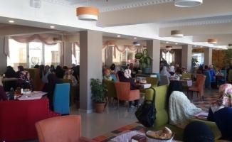 Ağrı İHH Kadın Kollarında Arakan İçin Kahvaltı Organizasyonu