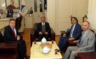 Türkiye Dağcılık Federasyonu Başkanından Rektör Karabulut'a Ziyaret