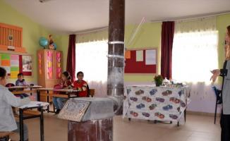Ağrı'da Köy Okullarındaki Öğretmenler öğrencileri için fedakarca çalışıyor