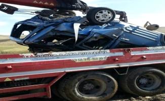 Ağrı'da Otomobil Nehre Uçtu: 2 Kişi Hayatını Kaybetti!