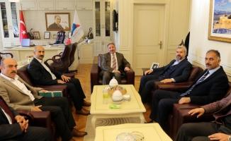 Eğitim-Bir-Sen Genel Başkan Yardımcısı Atilla Olçum'dan Rektör Abdulhalik Karabulut'a Ziyaret