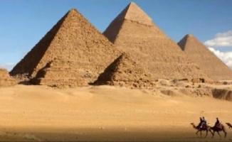 Mısır'ın Büyük Giza Piramidi'nde Dev Boşluk Keşfedildi