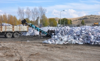Patnos'ta İhtiyaç Sahibi Ailelere Kömür Yardımı
