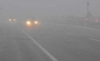 Ağrı'da Sis Hayatı Olumsuz Etkiledi! 5 Trafik Kazasında 5 Ölü 20'den Fazla Yaralı!