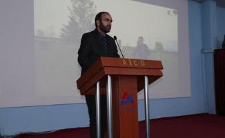 A.İ.Ç.Ü. de Din ve Bilim Konferansı Düzenlendi