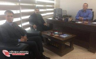 Ağrı Defterdarı Mehmet Tural'dan Mali Müşavirler Derneğine ziyaret