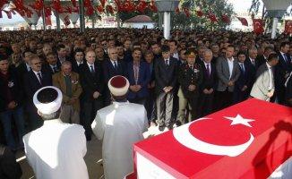 Antalya şehidini son yolculuğuna uğurladı