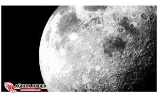 Ay'da En Çok Bulunan Sıvı Madde : Su