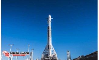 Elon Musk Daha Hızlı İnternet İçin Uzaya Uydu Gönderecek