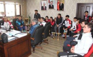 Ağrılı Kayakçılar'dan Türkiye Birinciliği ve İkinciliği
