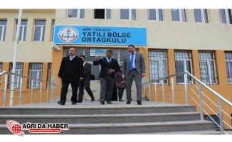 Taşlıçay Kaymakamı Enver Özderin'den Okul ziyaretleri