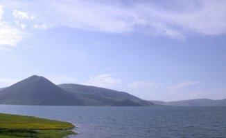 Doğa Tutkunlarının Vazgeçilmezi: Balık Gölü
