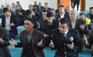 Eleşkirt'te Polis Haftası Dolayısıyla Şehitler için Mevlit Okutuldu