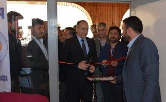 Patnos Kaymakamı Ümit Altay Işığım Sen Ol Derneği Açılışına katıldı
