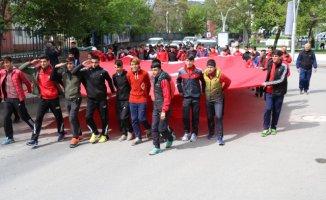 Ağrı'da Gençlik Haftası Dolayısıyla Gençlik Yürüyüşü Düzenlendi