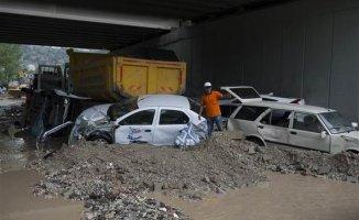Ankara'yı Sel Bastı Yaşam Zorlaştı