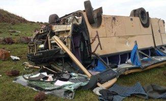 Ardahan'da Korkutan Kaza 4 Ölü 22 Yaralı