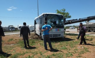 Balıkesir'de Otobüs'le Kamyon Çarpıştı 19 Yaralı Var