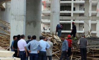 Cami inşaatı çöktü: 6 yaralı