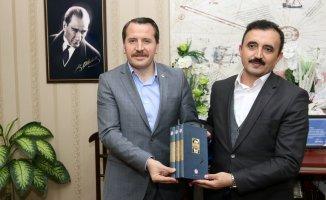 Memur-Sen Genel Başkanı Ali Yalçın'dan AİÇÜ'ye Ziyaret