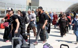 Suriyeliler Akın Akın Topraklarına Gidiyor