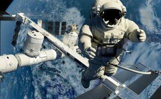 Uzaya Giden Astronot SD Kartını Unuttu! Ortalık Fena Karıştı!