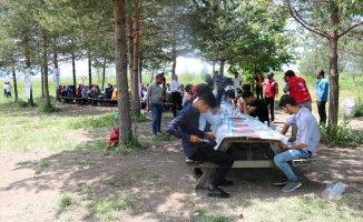 Ağrı Gençlik Merkezi Gönüllü Gençlerle Piknikte Buluştu