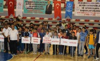 Ağrı'da İl Spor Merkezleri Törenle Açıldı