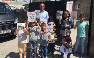 Ak Parti Ağrı'da 16 Yıllık icraatlarını Boyama Kitabı olarak dağıttı