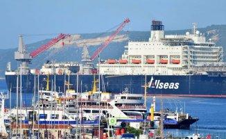 Dünyanın En Büyük İnşaat Gemisi Türkiye'den Geçti