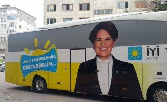 İYİ Parti Seçim Minibüsün'de Çalan Şarkı Dikkat Çekti