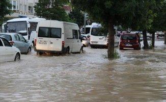 Sivas'ı Sel Bastı Her Yer Göle Döndü