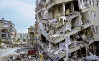 Son Dakika... İran'da Büyük Deprem!