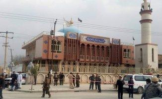 Afganistan'da Camiye Bombalı Saldırı 20 Kişi Öldü