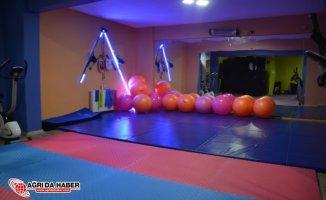 Ağrı Belediyesi Kadınlara özel Spor Salonu açtı