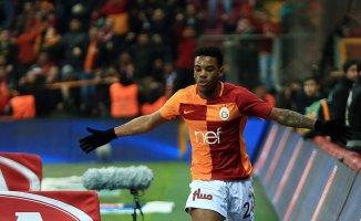 Fatih Terim Garry Rodriguez'in  Trabzonspor Maçına Yetiştirilmesini Talep Etti