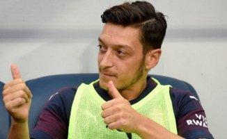 Fenerbahçe'de Mesut Özil Rüzgarı