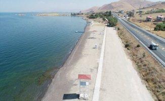 Van'da Göz Kamaştıran Halka Açık Plaj Açılıyor!