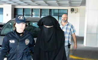 Atatürk'e Hakaret Şuçlamasıyla tutuklanan Emine Şahin Serbest bırakıldı