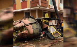 İstanbul Sancaktepe'de Askeri Helikopter Düştü! 4 Asker Şehit
